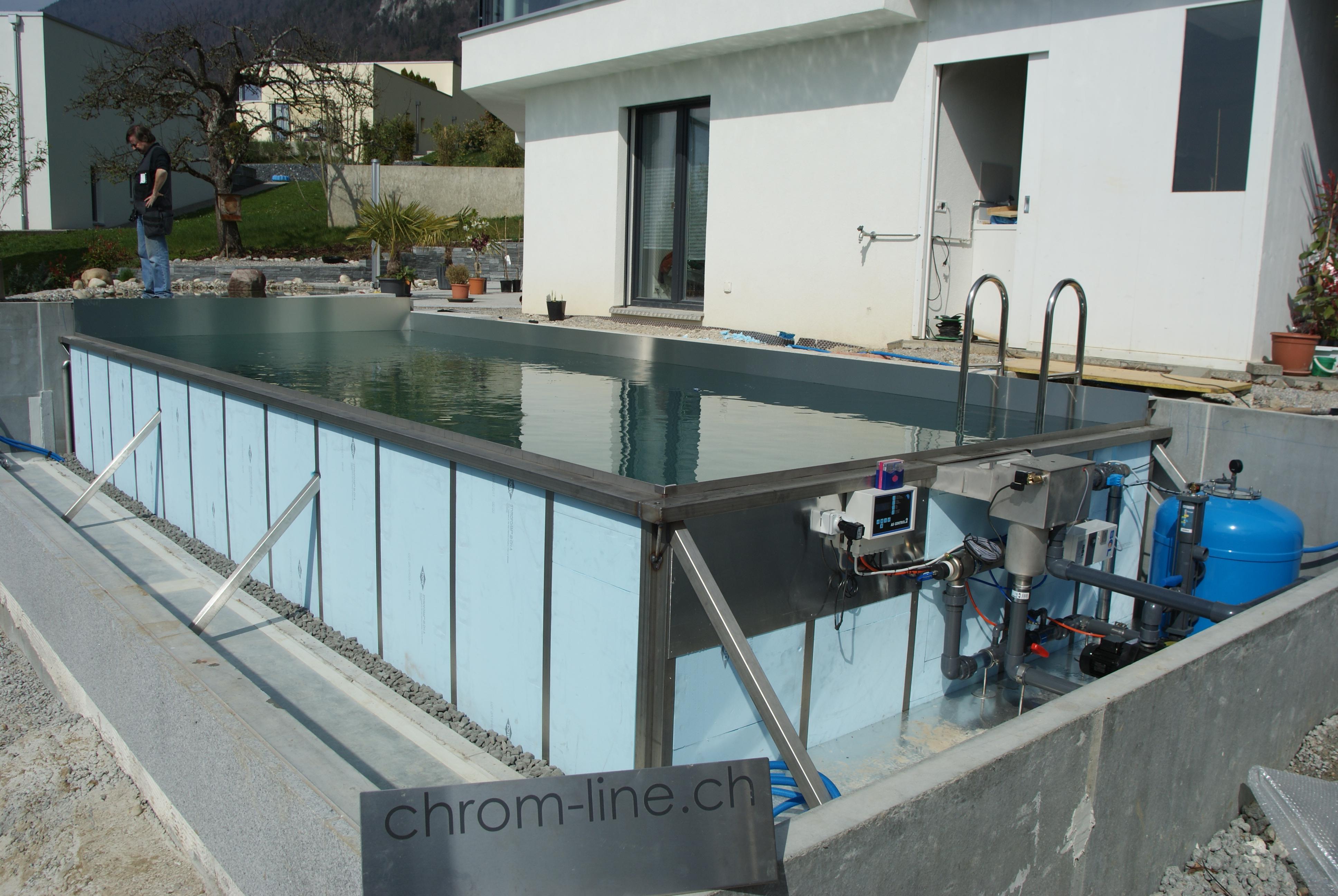 Chrom line pool mehr bilder und infos for Edelstahl garten pool